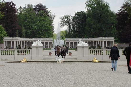 16-Fontaine entre les 2 jardins